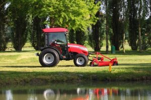 mccormick-gm-series-compact-tractor-2